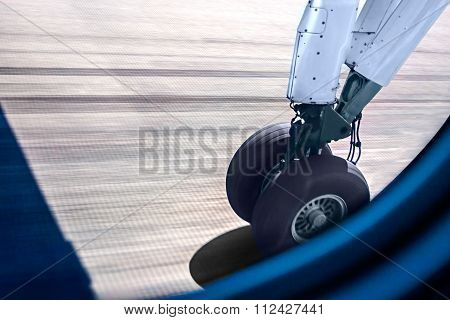 Image Of A Plane Wheel