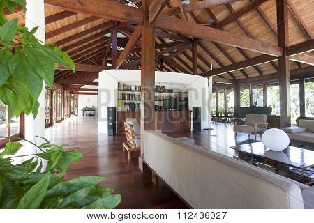 Very Spacious Country House