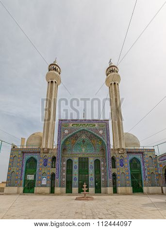Mosque in Abarghu