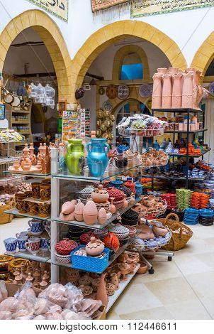 The Tunisian Pottery