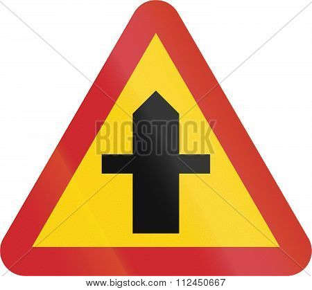 Road Sign Used In Sweden - Junction With A Road, The Drivers Of Which Must Give Way