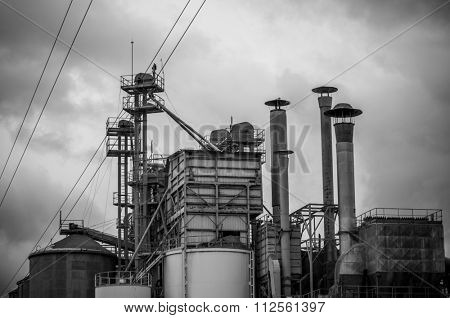 Refinery structure, pipelines and towers, heavy industry overview