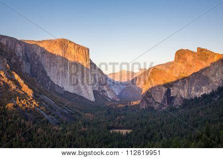 Yosemite National Park, El Capitan during sunset