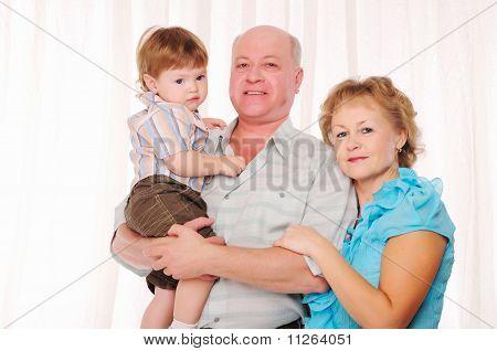 Großmutter, Großvater und Enkel