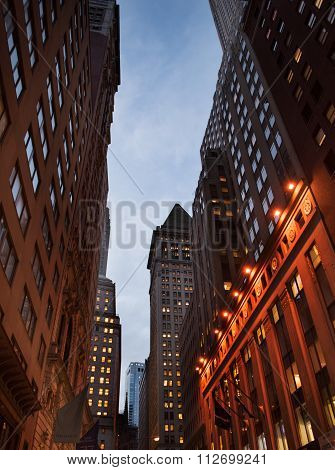 Streetview of the Financial District at night