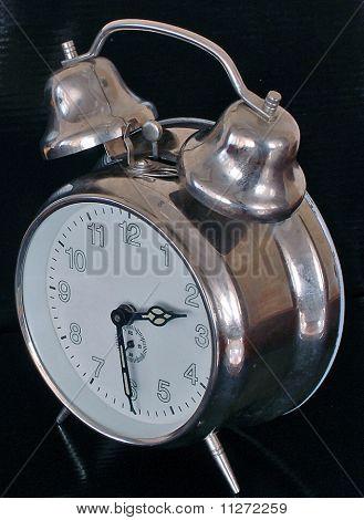 velho relógio de corda mecânica