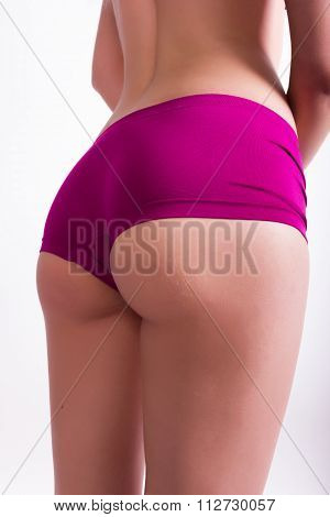shapely ass of young girl in shorts