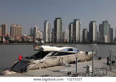 Luxury Yacht In Shanghai