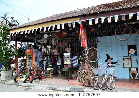 Bicycle Renting Service Available In Georgetown, Penang