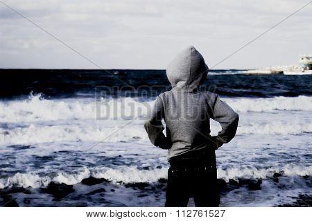 Dreamy Child And Sea