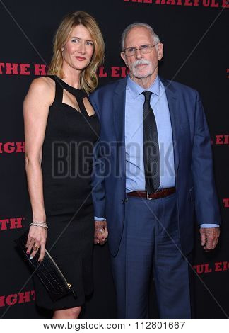 LOS ANGELES - DEC 07:  Laura Dern & Bruce Dern arrives to the