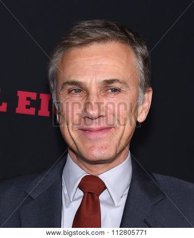 LOS ANGELES - DEC 07:  Christoph Waltz arrives to the