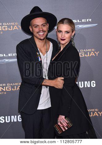LOS ANGELES - NOV 16:  Evan Ross & Ashlee Simpson arrives to the
