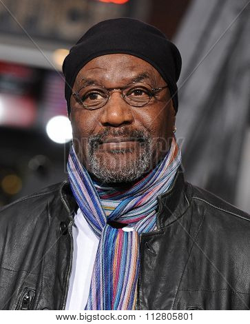 LOS ANGELES - DEC 15:  Delroy Lindo arrives to the