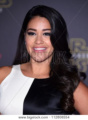LOS ANGELES - DEC 14:  Gina Rodriguez arrives to the