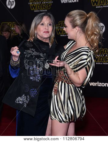 LOS ANGELES - DEC 14:  Carrie Fisher & Billie Lourd arrives to the