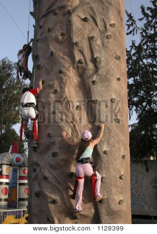 Kinder klettern