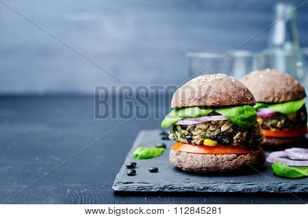 Quinoa Black Bean Spinach Corn Burgers With Black Beans Bun Crust