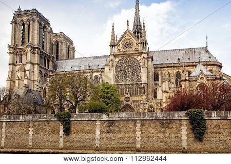 Paris, France: Notre-dame Cathedral