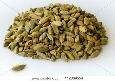 Heap Of Dry Green Cardamons