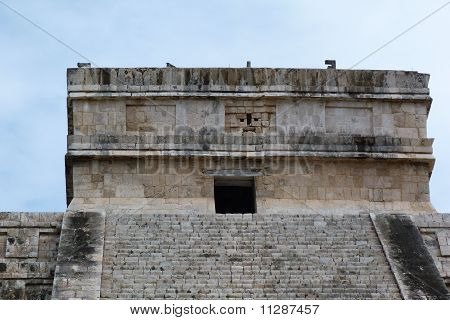 Chichen Itza ruins. Top fragment of the Pyramid of Kukulkan (El Castillo).