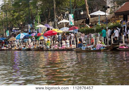 Floating market festival
