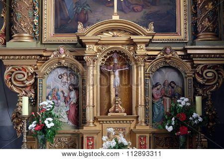 ZAGREB, CROATIA - MAY 28: Altar in the Basilica of the Sacred Heart of Jesus in Zagreb, Croatia on May 28, 2015