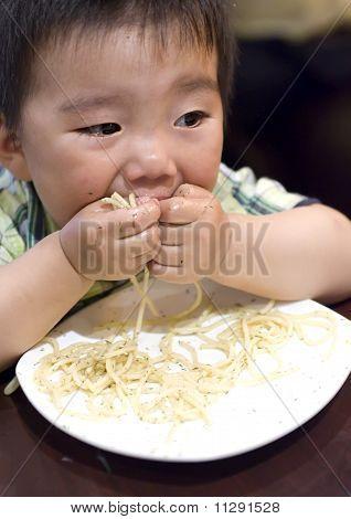 ein lustige Baby Essen