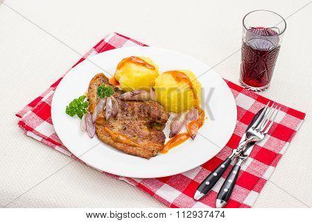 Roast Veal Liver, Potato Dumplings, Wine