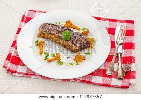 Grilled Rump Steak With Chanterelle Mushrooms