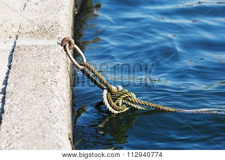 Mooring Knot With Rings And Rope