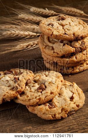 Chocolate toffee almond cookies