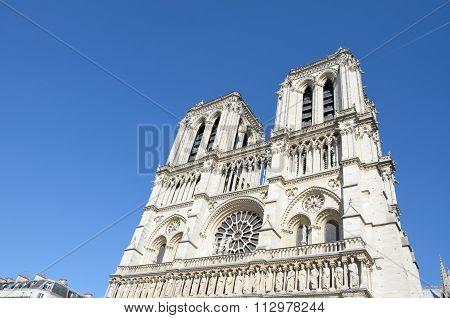 Notre dame paris tower