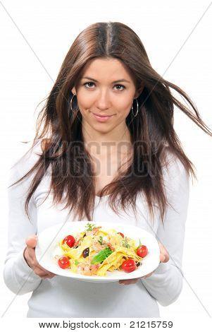 Kellnerin Frau Holding Teller Makkaroni, Spaghetti Pasta