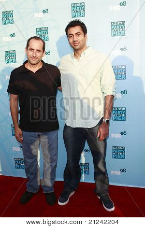 SANTA MONICA - JULY 14: Peter Jacobson and Kal Penn at the Fox TCA Summer Party in Santa Monica, California on July 14, 2008.