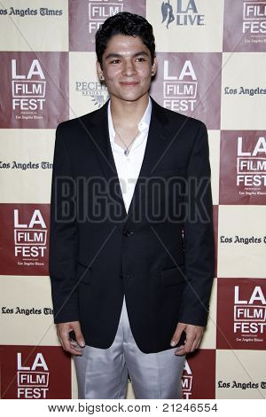 LOS ANGELES - JUN 21:  Bobby Soto arriving at