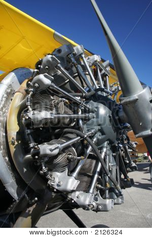 Starshaped Plane Engine