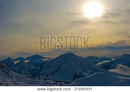 setting mountain sun