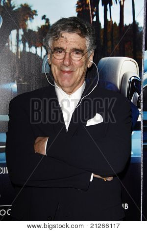 LOS ANGELES - MAR 22:  Elliot Gould arriving at the Los Angeles HBO Premiere of 'His Way' at Paramount Studios in Los Angeles, California on March 22, 2011.