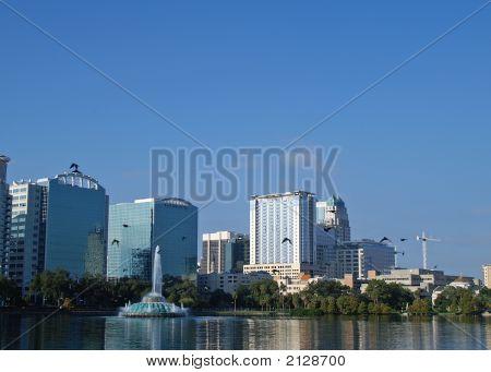 Downtown Skyline de Orlando Florida com a direita mais