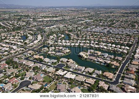 Suburbia On The Lake