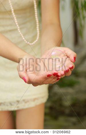 Blase in Hände ii