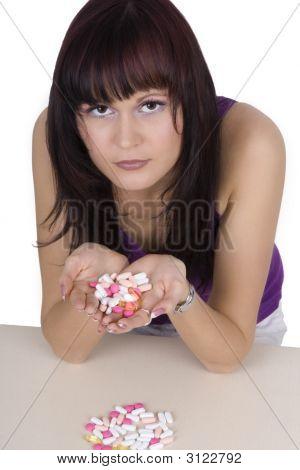 Mujer con productos farmacéuticos