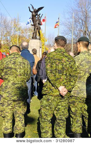 :Canadians soldiers
