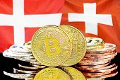 Concept For Investors In Cryptocurrency And Blockchain Technology In The Denmark And Switzerland. Bi poster