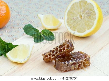 Honey, Lemon And Mint