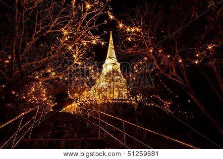Phrathat Chom Phet At Night.