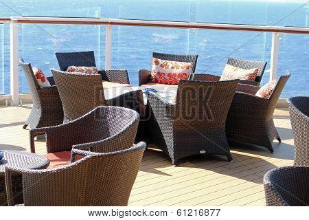 Lounge Charis