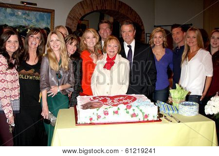 LOS ANGELES - MAR 4:  Melody Thomas Scott, Cast at the Melody Thomas Scott Celebrates 35 Years at the