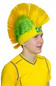 image of iroquois  - Brazilian football fan headdress Indian tribe Iroquois - JPG